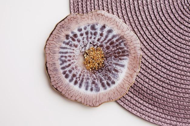 Decoração de parede de macramé 100 algodão artesanal com palito de madeira pendurado na parede branca trançado de macramé e fios de algodão eco amigável conceito de decoração natural no interior