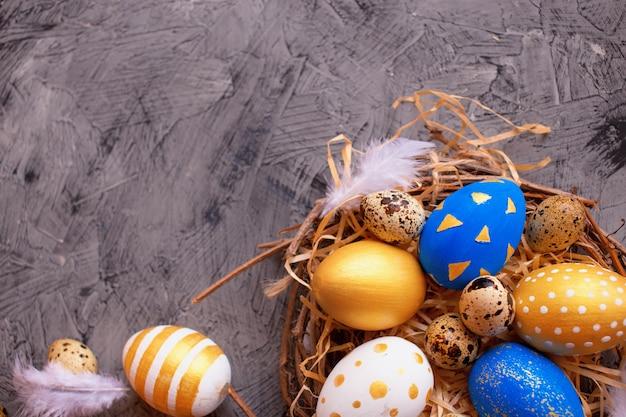 Decoração de páscoa com ovos pintados