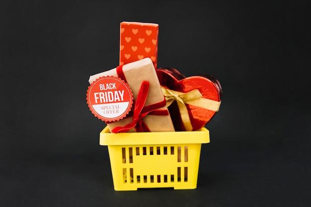 Decoração de sexta feira preta com caixas de presente