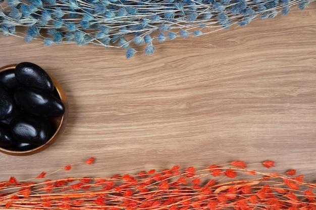 Decoração de spa em fundo de madeira