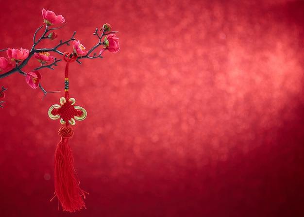 Decoração do ano novo chinês 2020 em fundo vermelho