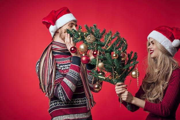 Decoração do feriado do ano novo do homem e da mulher juntos emoção romance