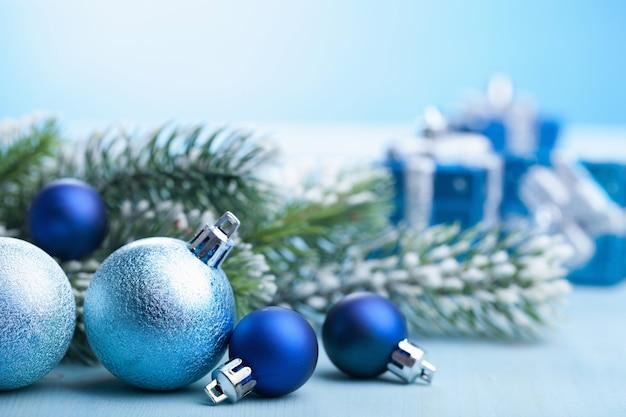 Decoração e presentes de natal azuis