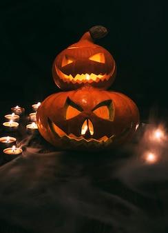 Decoração iluminada de lanternas de abóbora assustadoras para o halloween