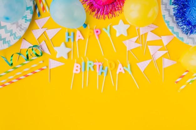 Decorações de aniversario e escrita a partir de velas