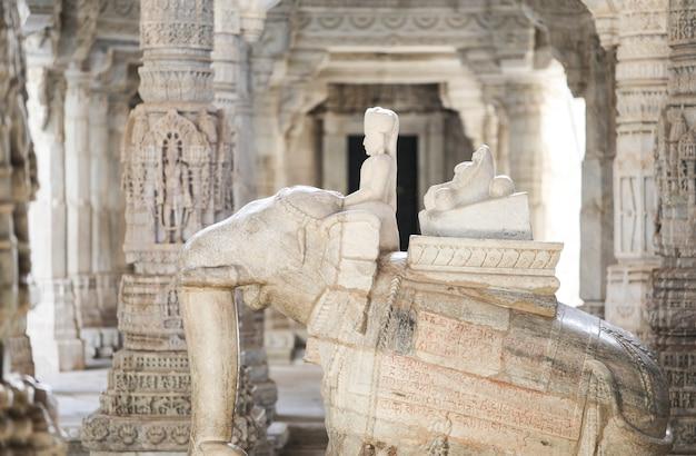 Decorações de escultura em pedra