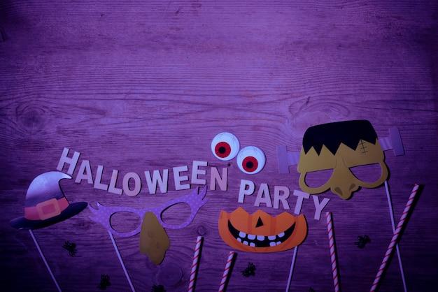 Decorações de festa de halloween com espaço de cópia no topo