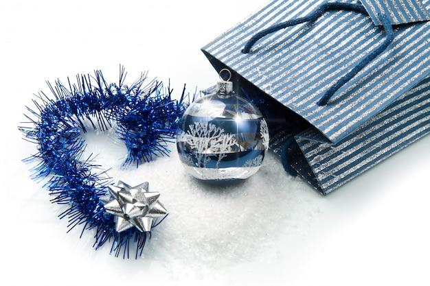 Decorações de natal azul e prata