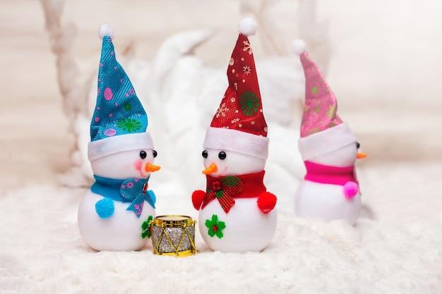 Decorações de natal com bonecos de neve