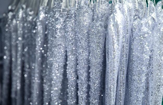 Decorações de prata cintilante com efeito de luz bokeh