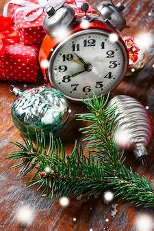 Decorações de relógio e natal