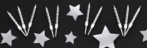 Decorações e velas de prata