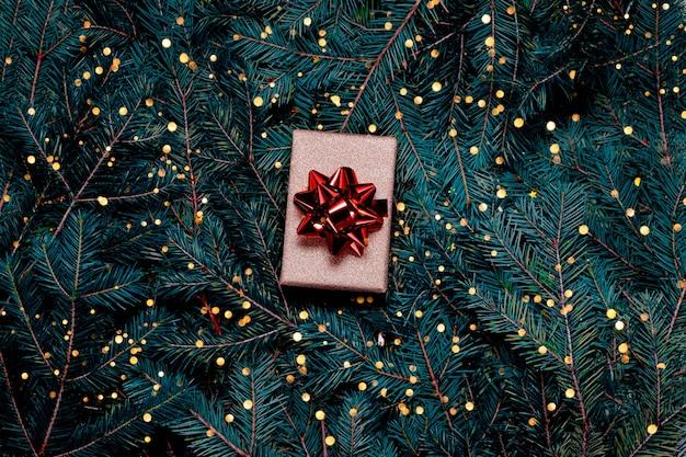 Decorações festivas de natal e caixa de presente