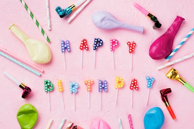 Decorações planas leigos com velas e balões