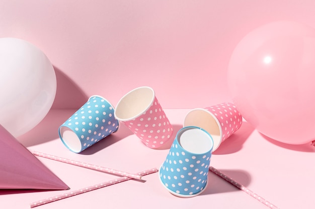 Decorações rosa close-up na mesa