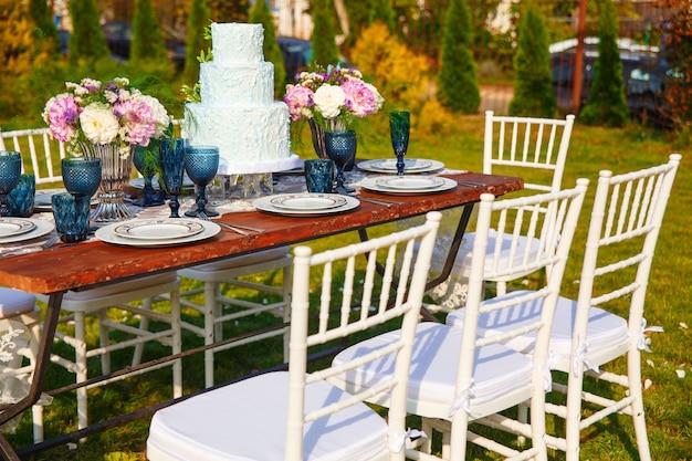 Decorado para casamento elegante mesa de jantar no jardim