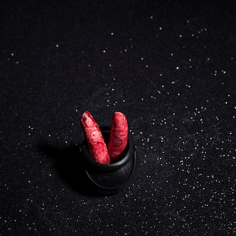 Dedos com sangue