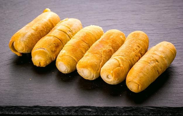 Dedos de queijo à venezuelana
