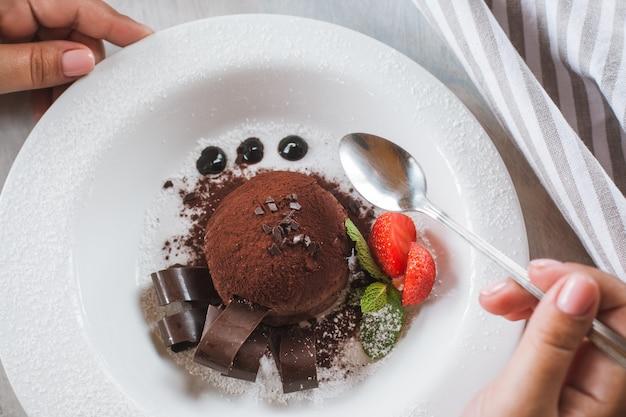 Degustação de deliciosas sobremesas de chocolate para verdadeiro gourmet.