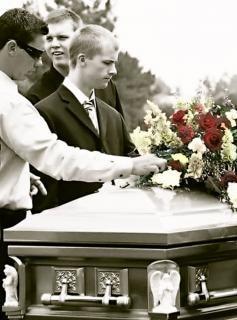Deixados para trás, funeral