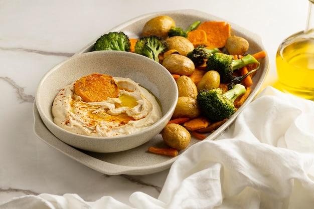Deliciosa composição de refeição vegana rica em proteínas