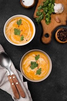 Deliciosa composição de sopa de outono