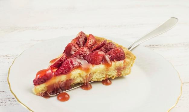 Deliciosa fatia de bolo de morango