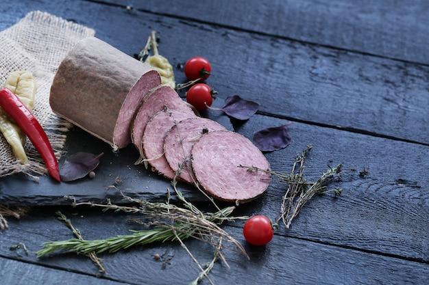 Deliciosas carnes e temperos