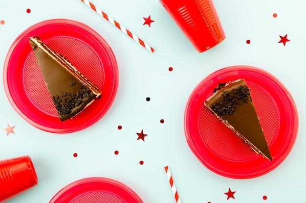 Deliciosas fatias de bolo de chocolate
