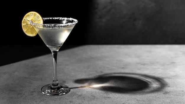 Delicioso arranjo de bebida de mezcal