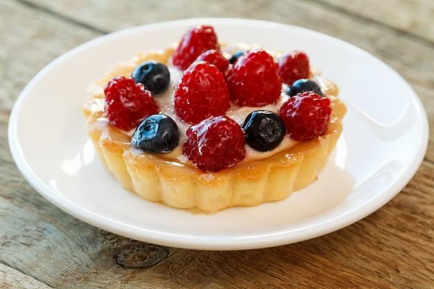 Delicioso bolo com frutas