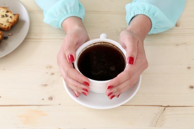 Delicioso café na mesa