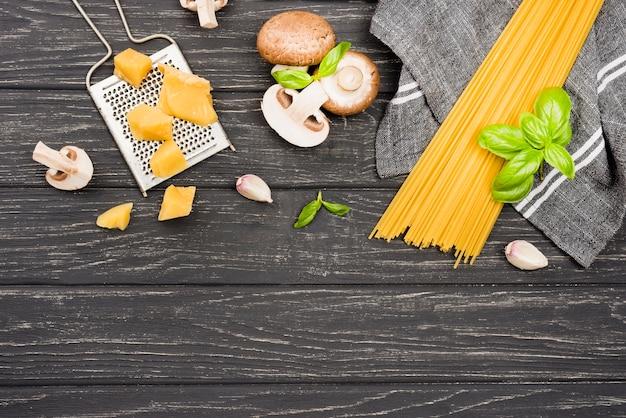 Delicioso espaguete com cogumelos