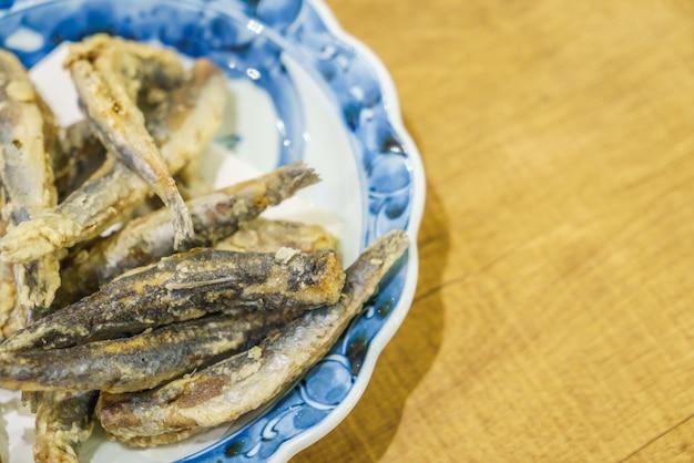 Delicioso prato quente natural colorido