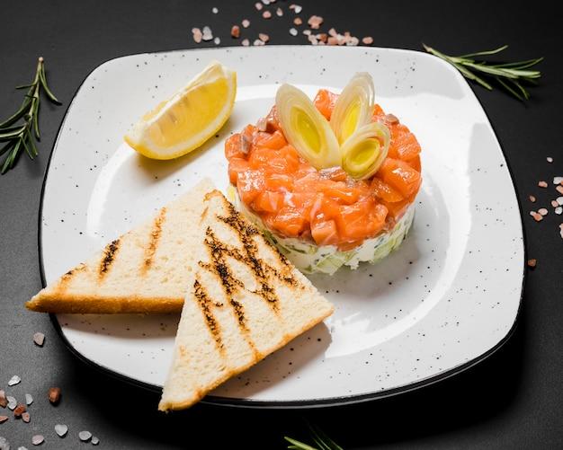 Delicioso salmão gourmet close-up