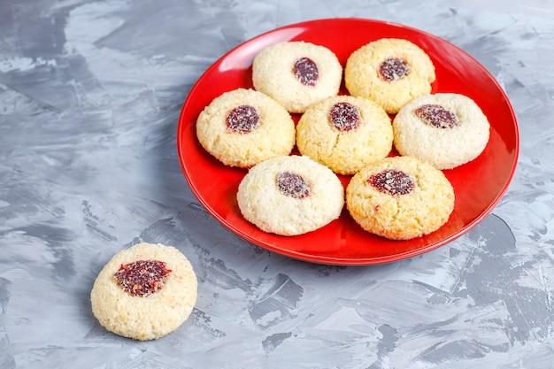Deliciosos biscoitos de framboesa caseiros.