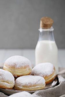 Deliciosos donuts caseiros para sobremesa