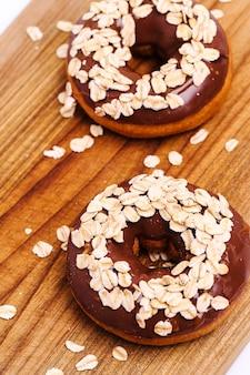 Deliciosos donuts em branco