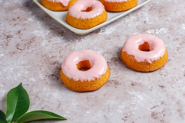 Deliciosos donuts simples