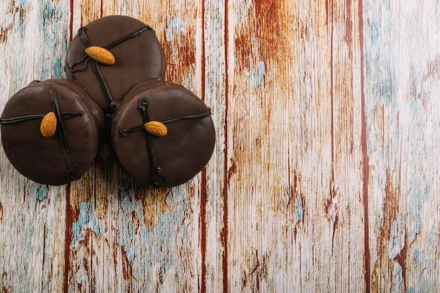 Deliciosos mini bolinhos de chocolate