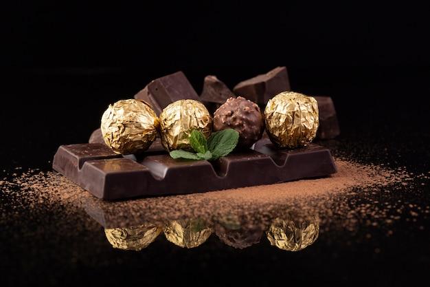 Deliciosos petiscos de chocolate close-up