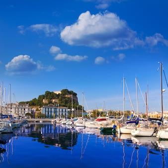 Denia, porto, com, colina castelo, província alicante, espanha