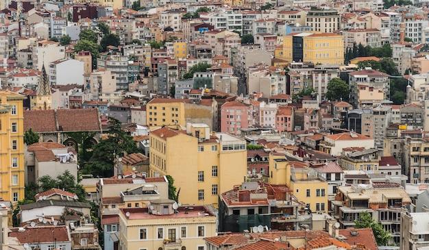 Densa construção de edifícios residenciais em istambul