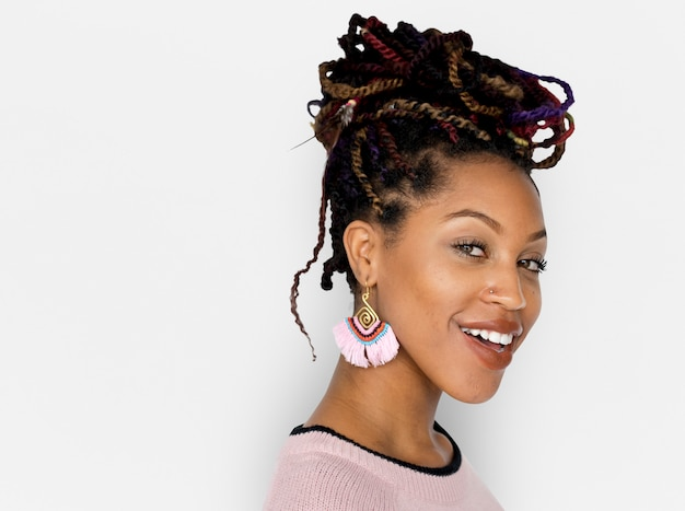 Descida africana feminino sorriso feliz