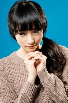 Desejo de beleza asiática atraente, closeup retrato