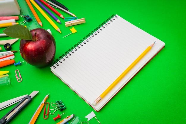 Desenho borracha livros faculdade blackboard