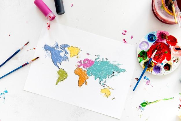 Desenho de mapa mundial de cartografia com aula de arte