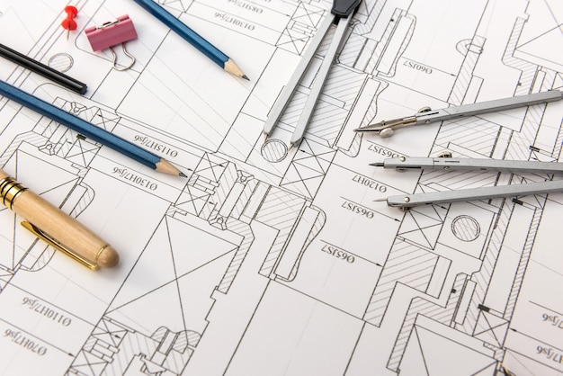 Desenho do engenheiro com vista superior de diferentes ferramentas. conceito técnico