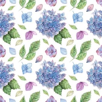 Desenho floral sem costura padrão com buquês de hortênsias azuis e roxas, pétalas azuis e folhas verdes