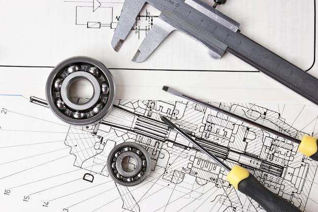 Desenho técnico e pinças com rolamento